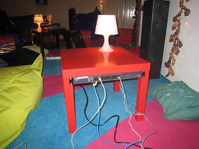 http://wiki.eth-0.nl/images/thumb/7/7a/LackRack.jpg/400px-LackRack.jpg
